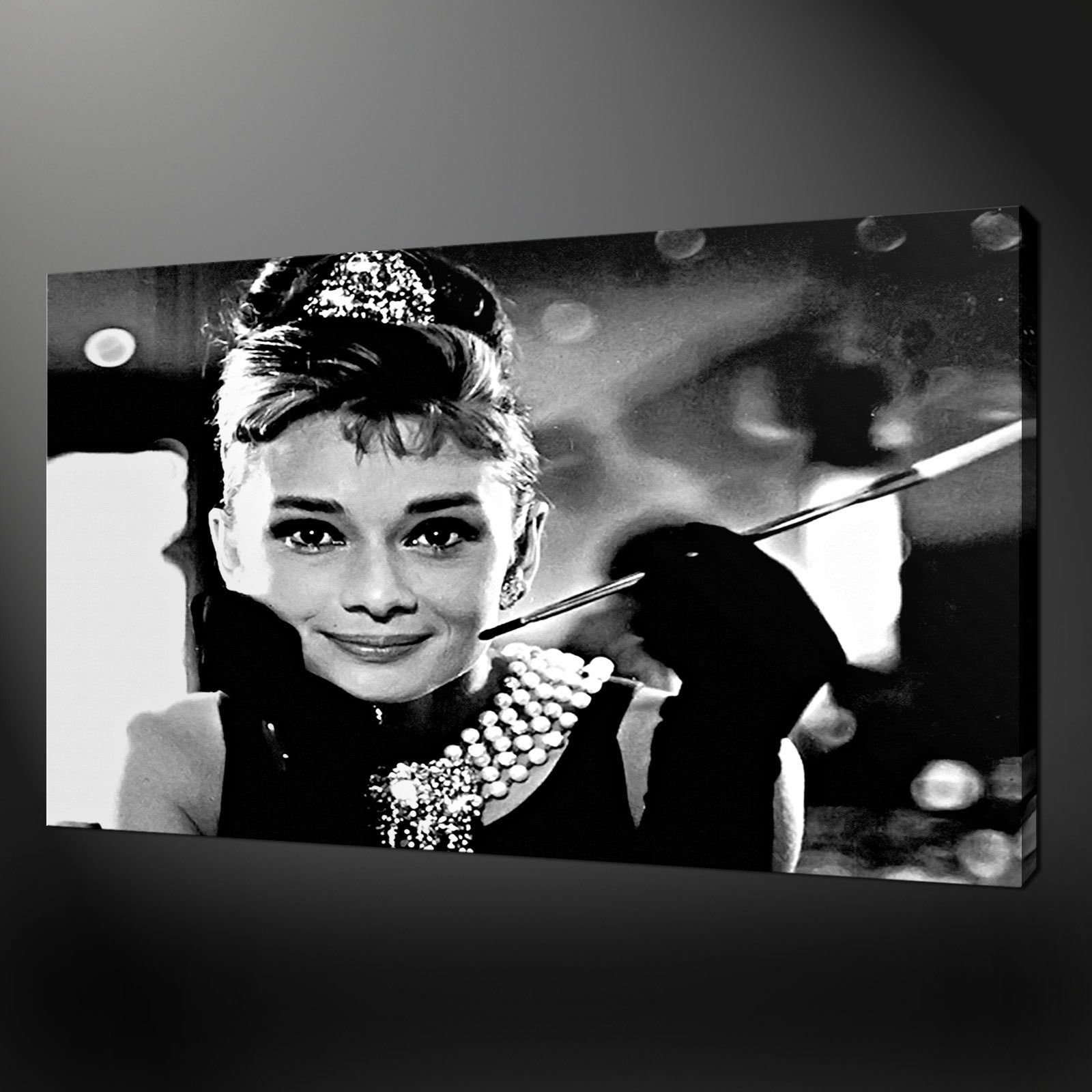 Audrey Hepburn Canvas Wall Art - Elitflat